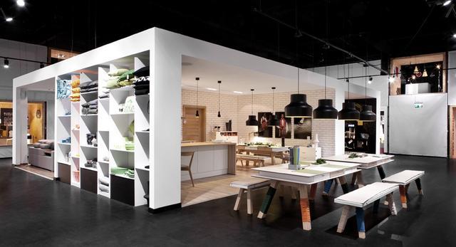 Meble VOX mają własną Pracownię Wnętrz. Inspirujący salon firmowy projektu mode:lina